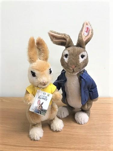 Peter Rabbit & Mopsy Bunny